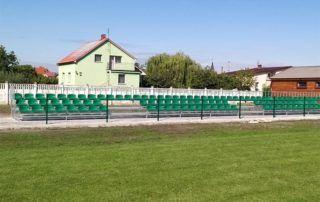 zielone trybuny sportowe